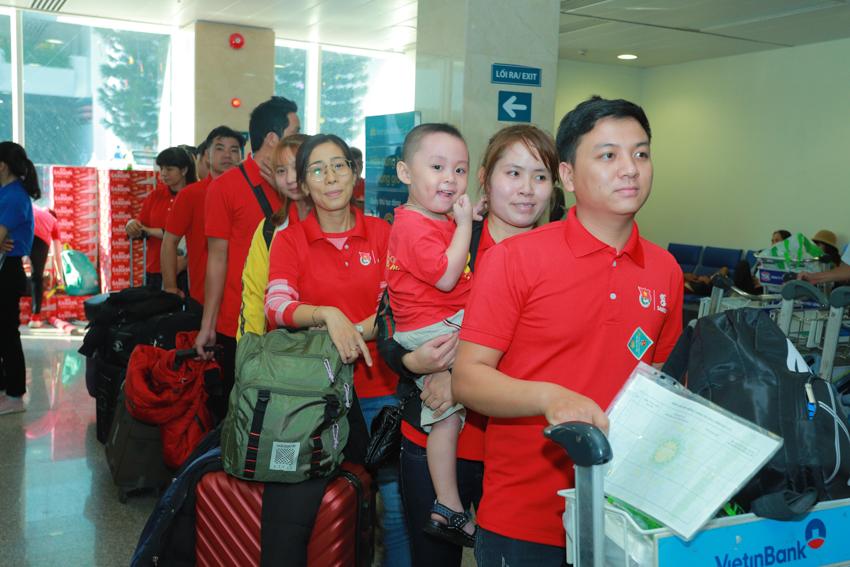 """Hành trình """"Về nhà ăn tết"""" 2020 đưa 2000 người lao động về đón Xuân Canh Tý - 2"""