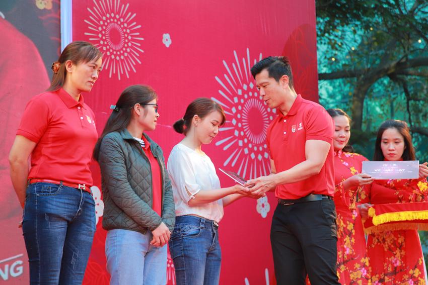 """Hành trình """"Về nhà ăn tết"""" 2020 đưa 2000 người lao động về đón Xuân Canh Tý - 6"""