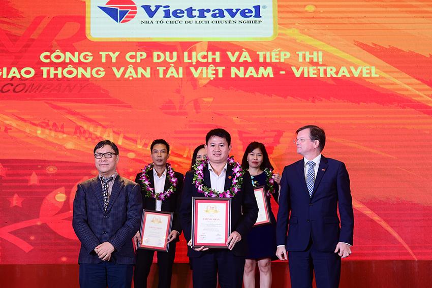 Vietravel 3 năm liên tiếp dẫn đầu Top 10 công ty uy tín ngành du lịch - lữ hành 2017 - 2019 - 2