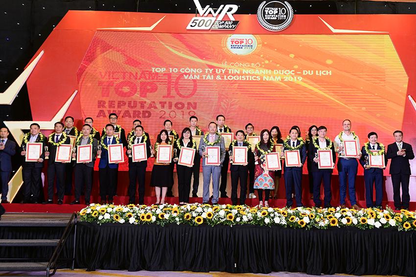 Vietravel 3 năm liên tiếp dẫn đầu Top 10 công ty uy tín ngành du lịch - lữ hành 2017 - 2019 - 3