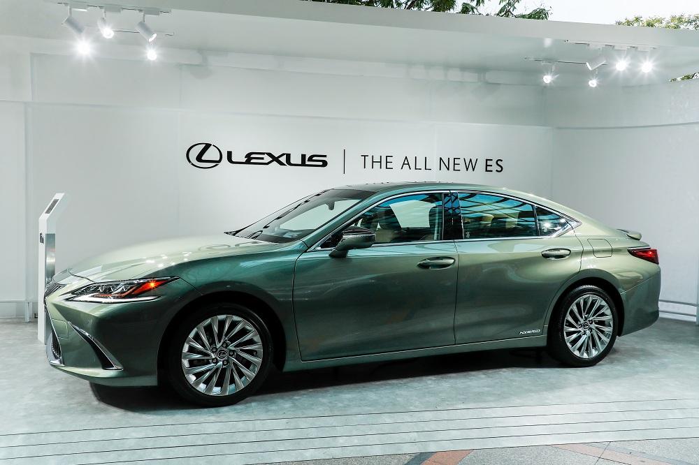 Lexus giới thiệu ES và LS mới, sử dụng động cơ Hybrid tại Việt Nam - 4