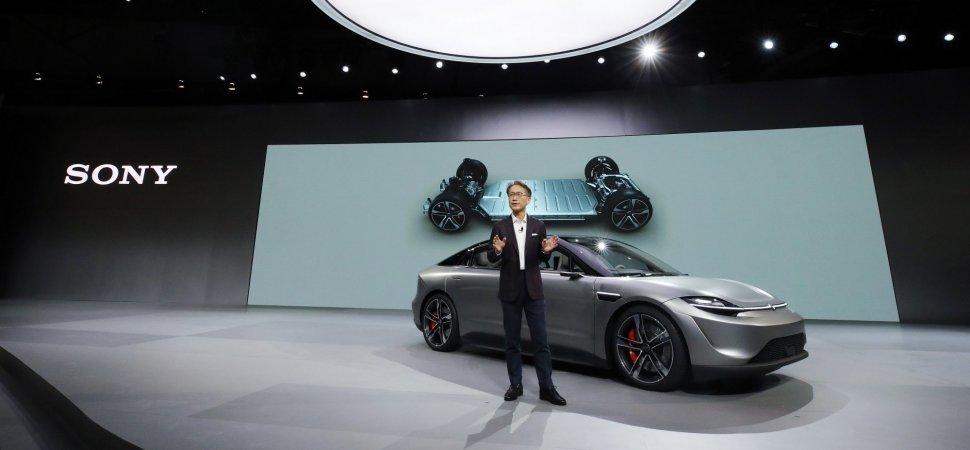 Sony bất ngờ ra mắt mẫu xe điện Vision-S tại CES 2020
