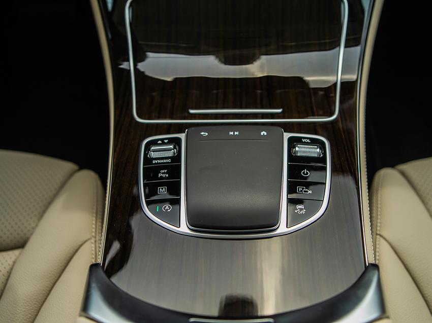 Mercedes-Benz GLC 200 giá từ 1,749 tỷ đồng tại Việt Nam - 9
