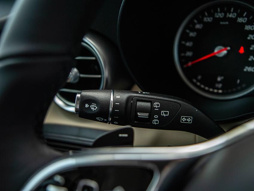 Mercedes-Benz GLC 200 giá từ 1,749 tỷ đồng tại Việt Nam - 14
