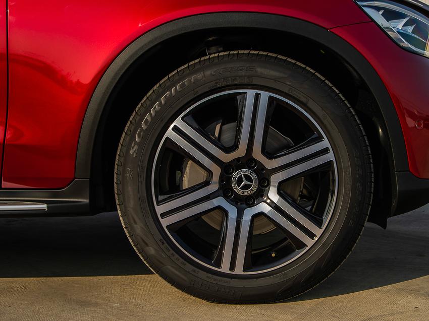 Mercedes-Benz GLC 200 giá từ 1,749 tỷ đồng tại Việt Nam - 16