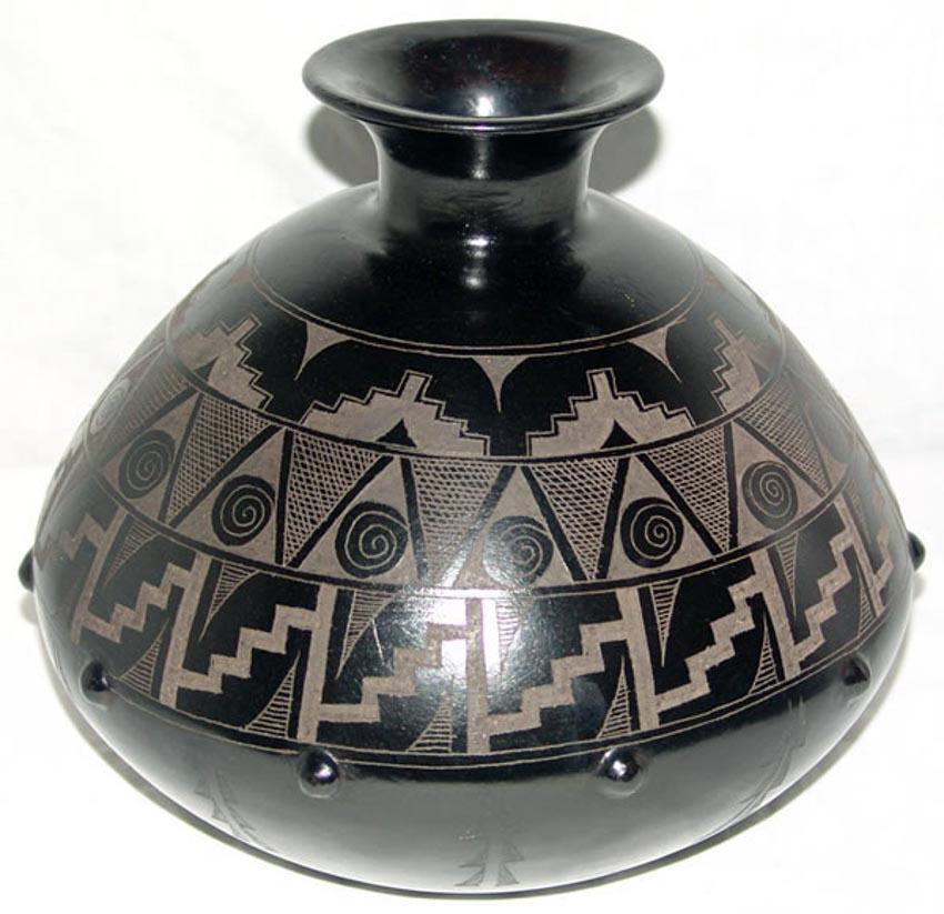 Độc đáo gốm đen Mexico -3