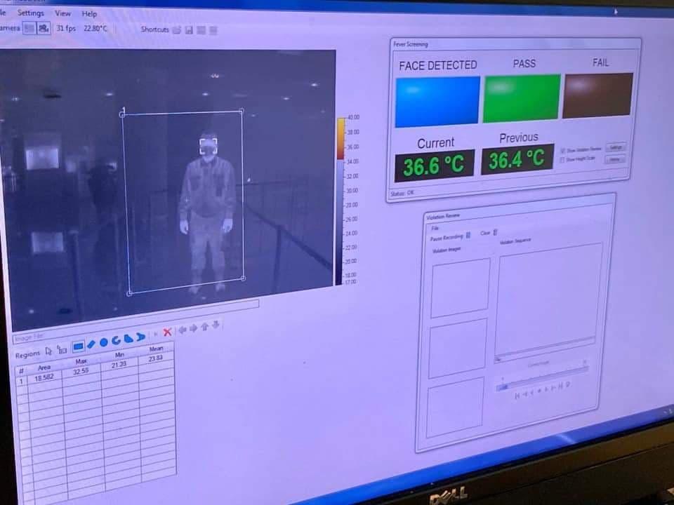 Hệ thống giám sát thân nhiệt khách nhập cảnh sân bay. Ảnh: Giang Huy