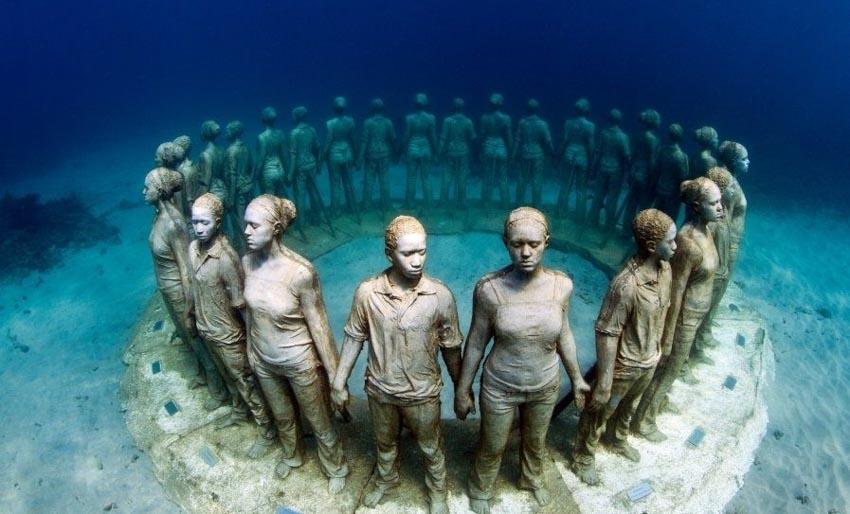 Những tác phẩm điêu khắc khiến phải suy ngẫm -15