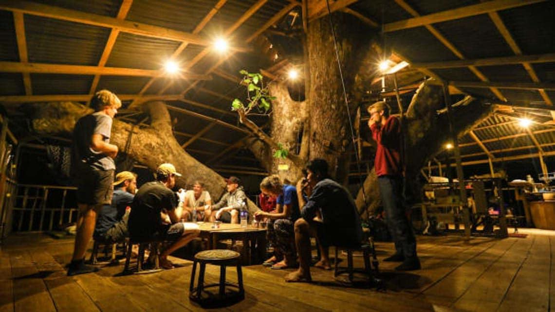 Thú vị với nhà trên cây ở Lào -4