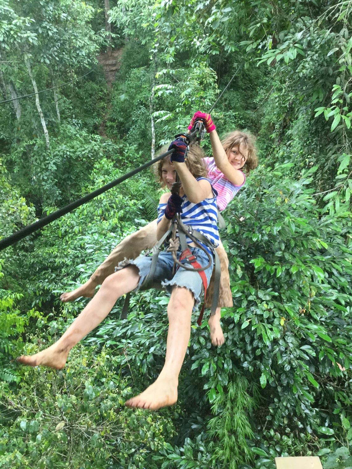 Thú vị với nhà trên cây ở Lào -6