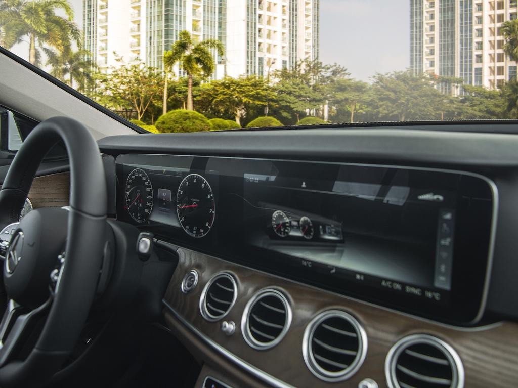 Mercedes-Benz E 200 Exclusive 2020 ra mắt tại Việt Nam - 10