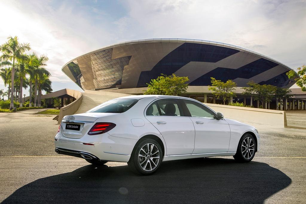 Mercedes-Benz E 200 Exclusive 2020 ra mắt tại Việt Nam - 14