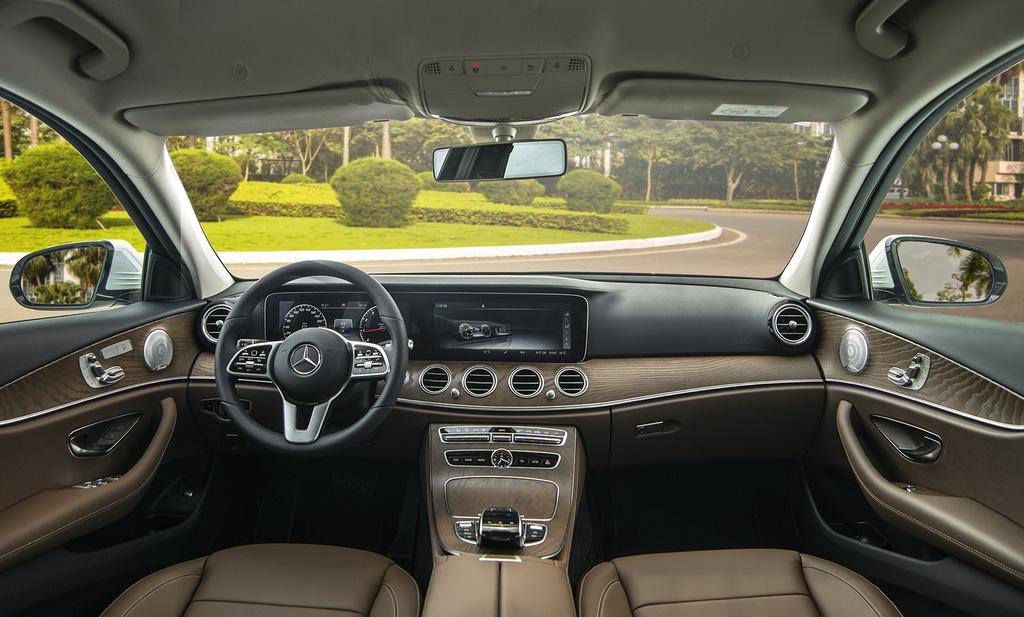 Mercedes-Benz E 200 Exclusive 2020 ra mắt tại Việt Nam - 9