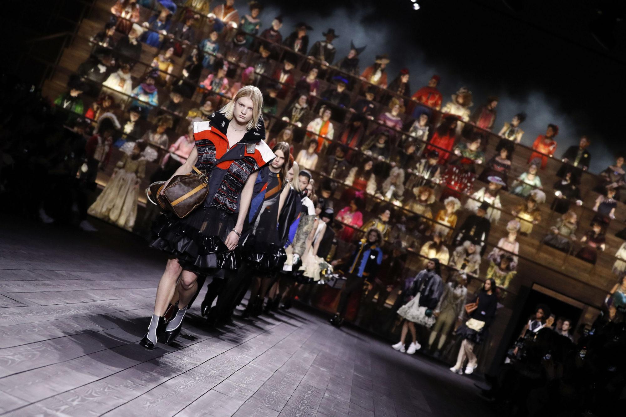 Louis Vuitton Thu-Đông 2020: Sự giao thoa giữa thời đại - 02