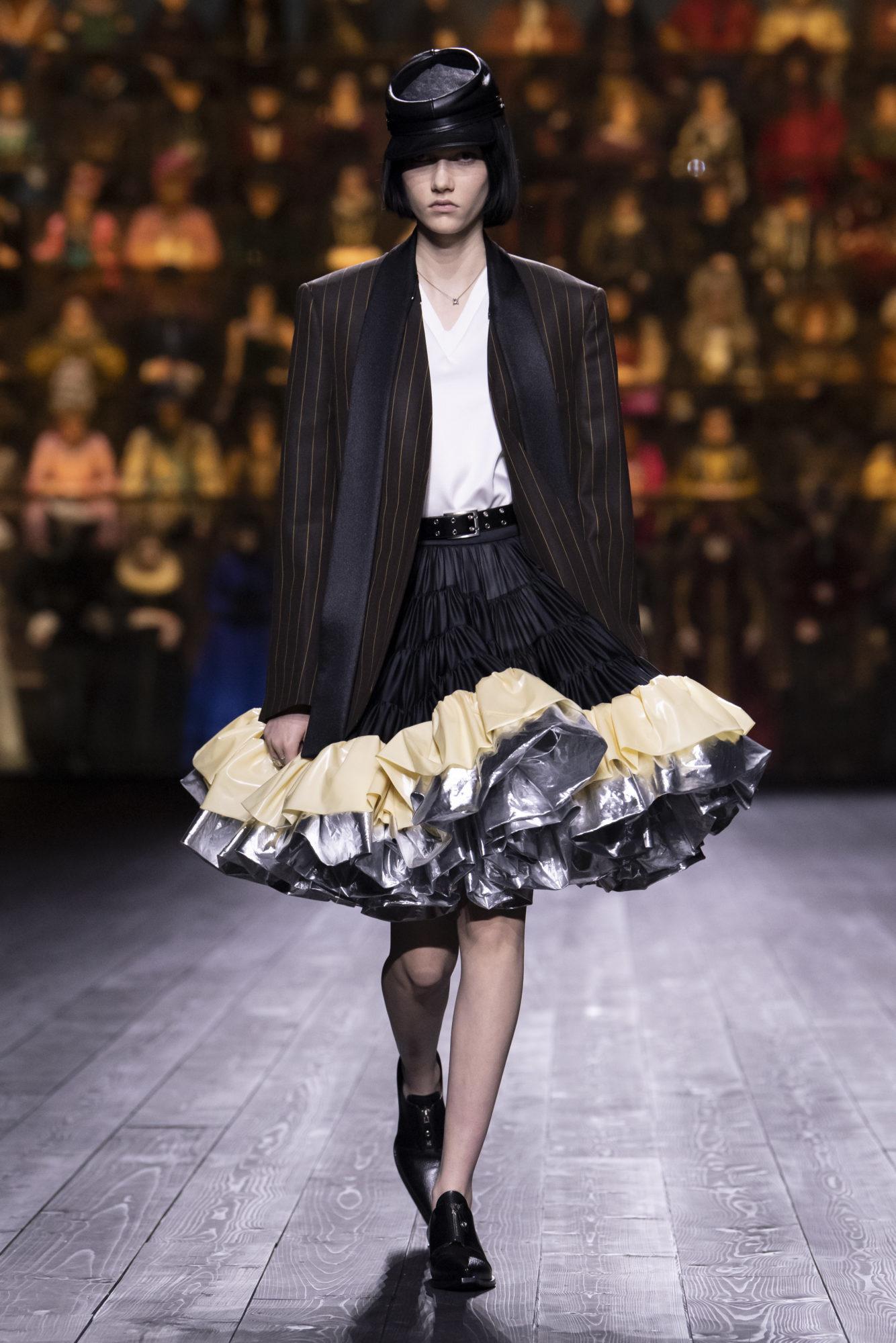 Louis Vuitton Thu-Đông 2020: Sự giao thoa giữa thời đại - 04