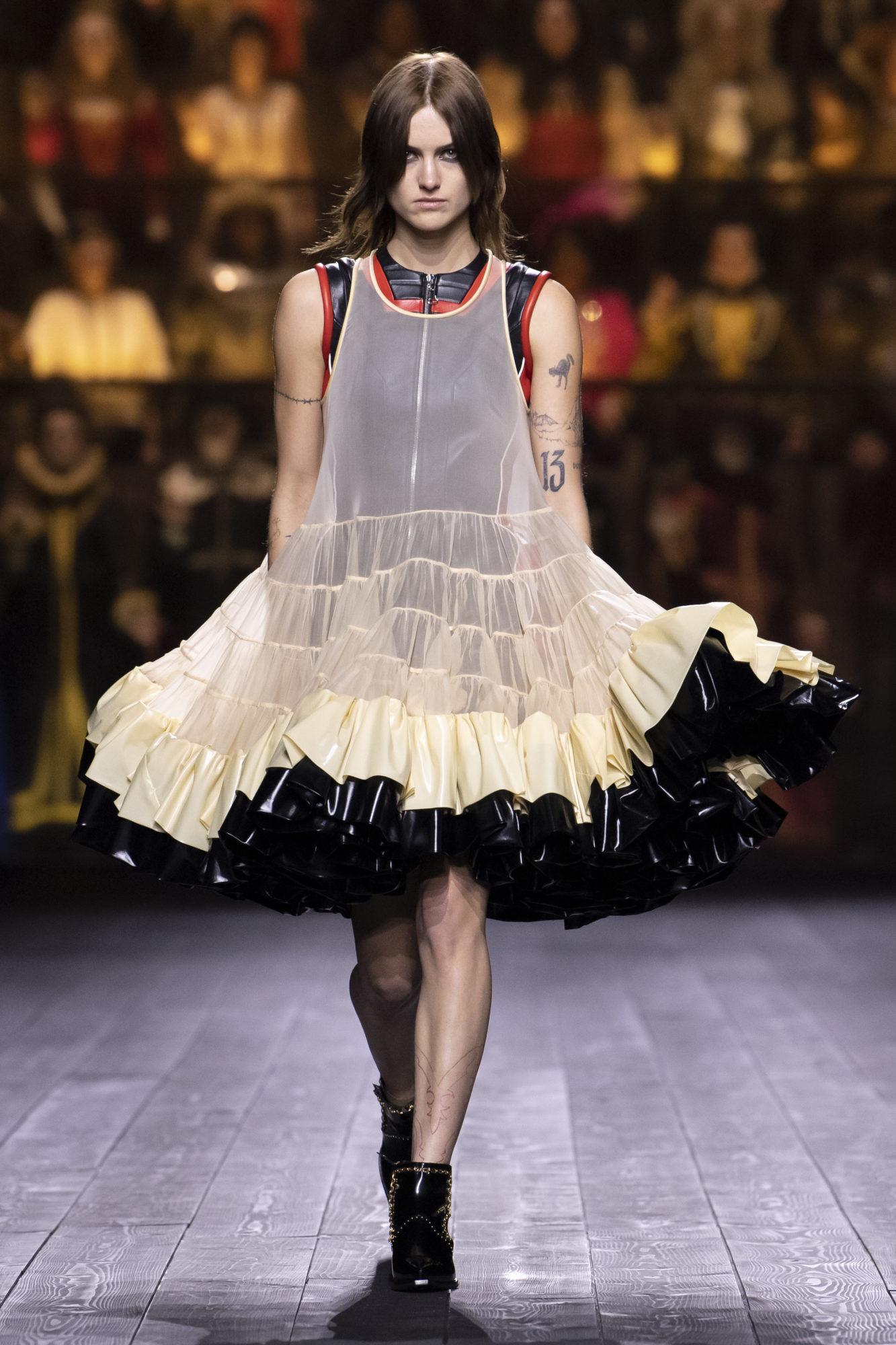 Louis Vuitton Thu-Đông 2020: Sự giao thoa giữa thời đại - 05