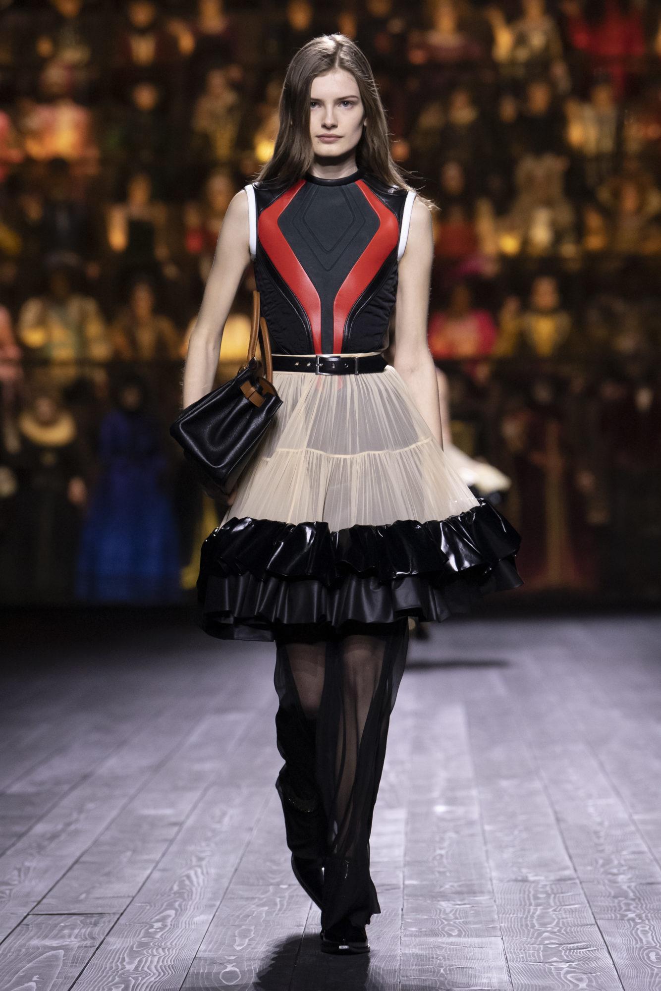 Louis Vuitton Thu-Đông 2020: Sự giao thoa giữa thời đại = 09