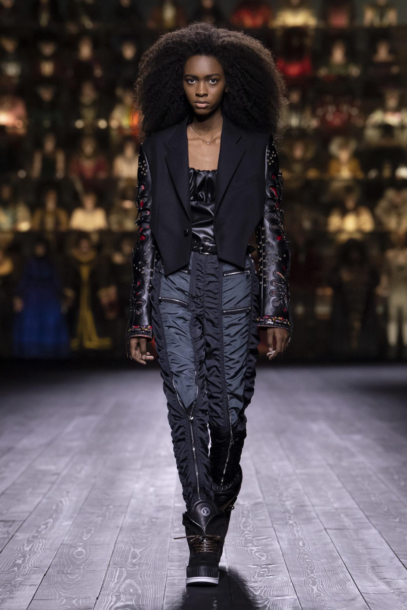 Louis Vuitton Thu-Đông 2020: Sự giao thoa giữa thời đại - 10