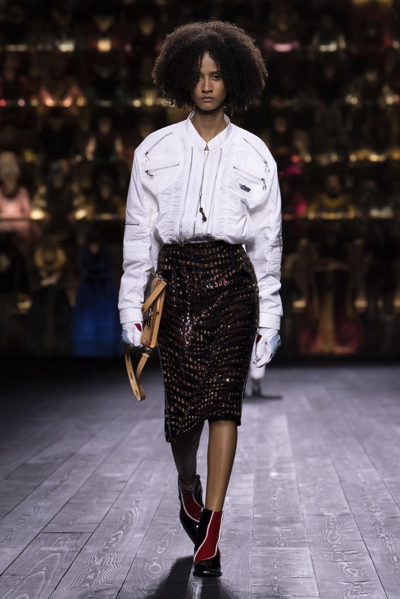 Louis Vuitton Thu-Đông 2020: Sự giao thoa giữa thời đại - 11