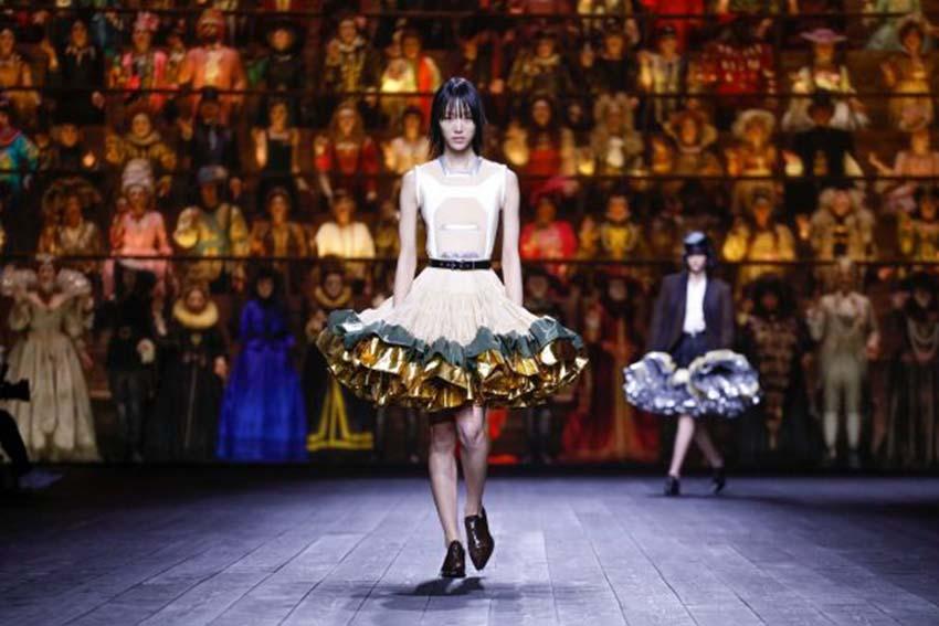 Louis Vuitton Thu-Đông 2020: Sự giao thoa giữa thời đại - 18