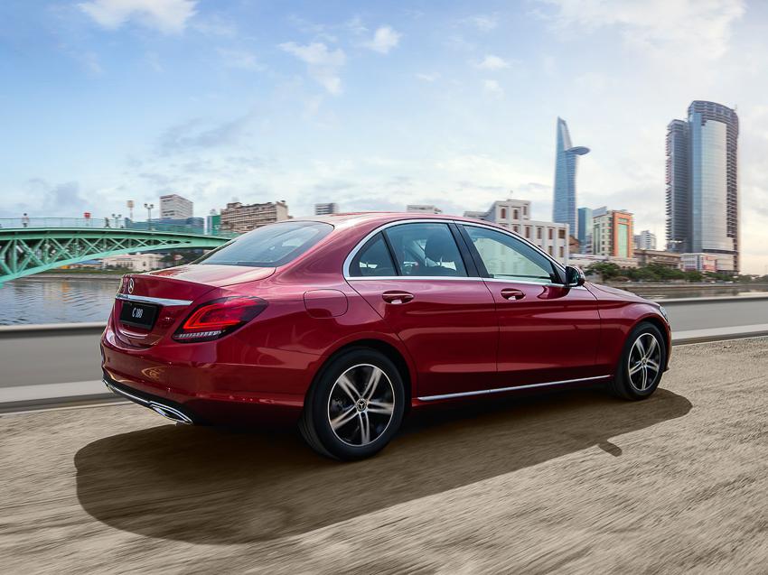 Mercedes-Benz C 180 có giá 1,399 tỷ tại VN, đối đầu cả Camry và Accord - 18