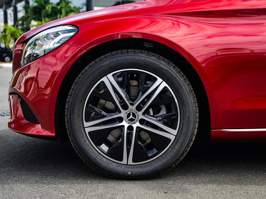 Mercedes-Benz C 180 có giá 1,399 tỷ tại VN, đối đầu cả Camry và Accord - 19