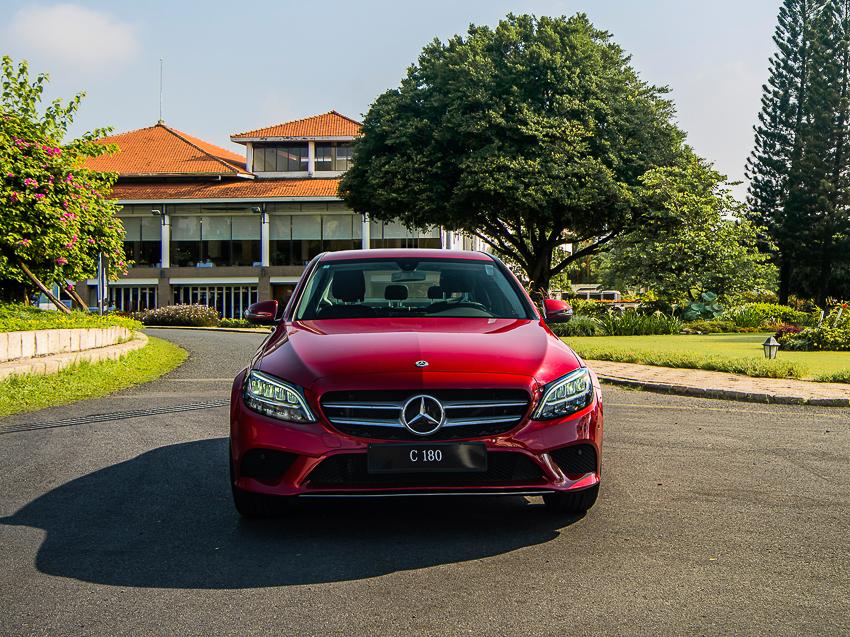 Mercedes-Benz C 180 có giá 1,399 tỷ tại VN, đối đầu cả Camry và Accord - 2