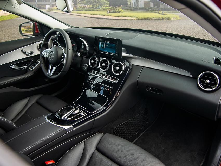Mercedes-Benz C 180 có giá 1,399 tỷ tại VN, đối đầu cả Camry và Accord - 25