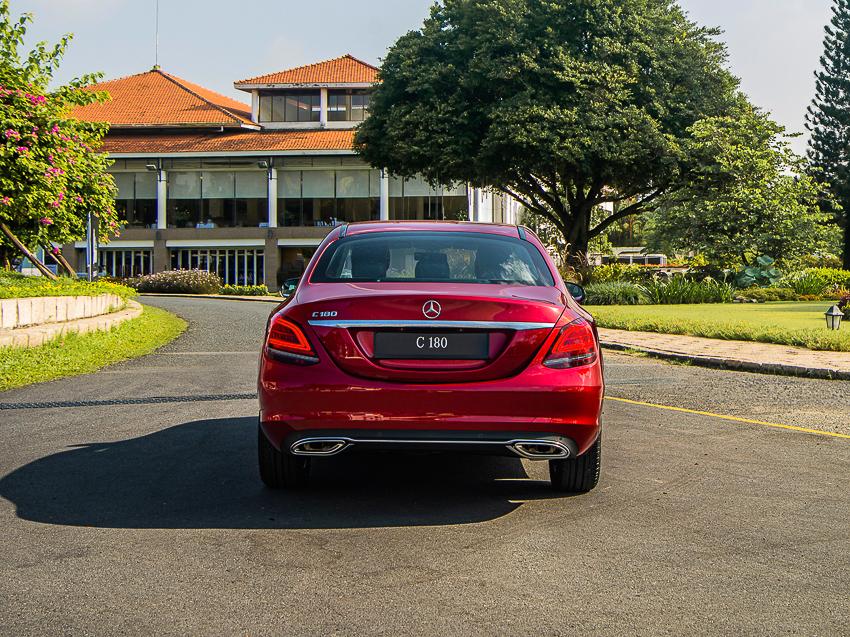 Mercedes-Benz C 180 có giá 1,399 tỷ tại VN, đối đầu cả Camry và Accord - 5
