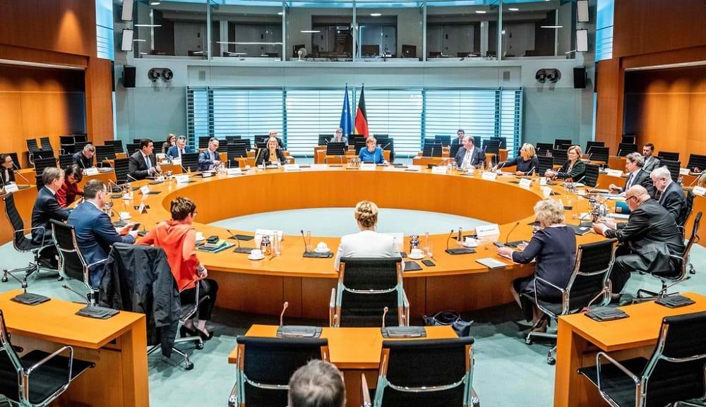 Thủ tướng Đức: Giảm tối đa đời sống công cộng là điều duy nhất và sống còn trước dịch bệnh - 2