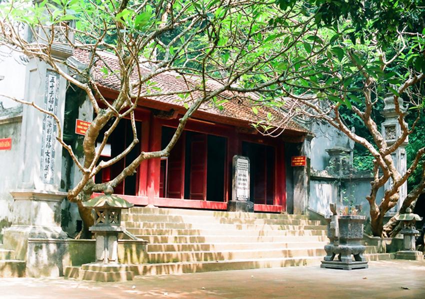 Tín ngưỡng thờ cúng Hùng Vương - 03