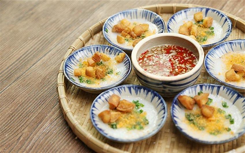 Top 10 món ăn vặt ngon nhất ở Huế mà bạn không thể bỏ qua -1