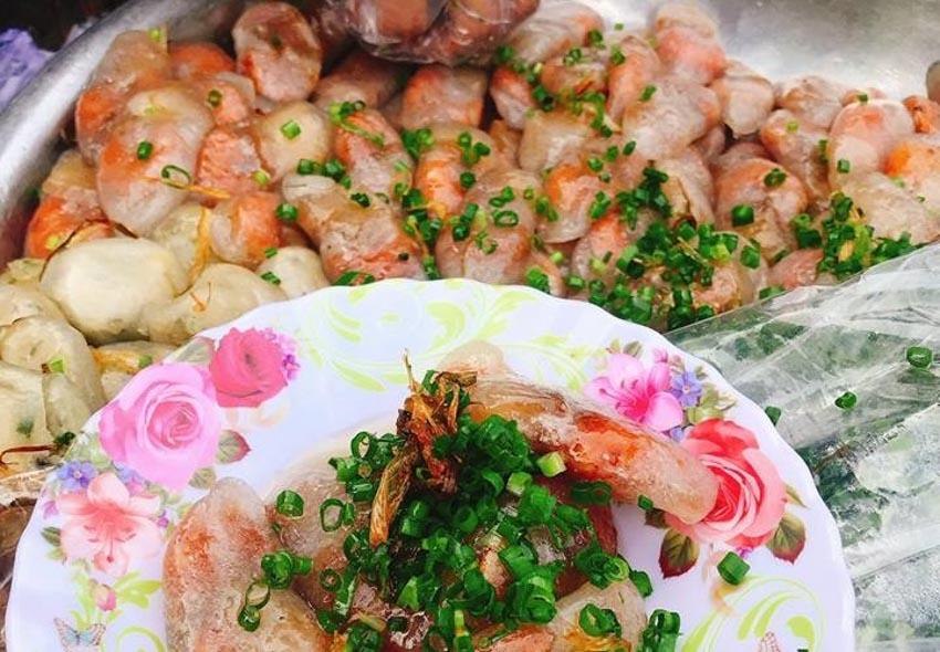 Top 10 món ăn vặt ngon nhất ở Huế mà bạn không thể bỏ qua -3