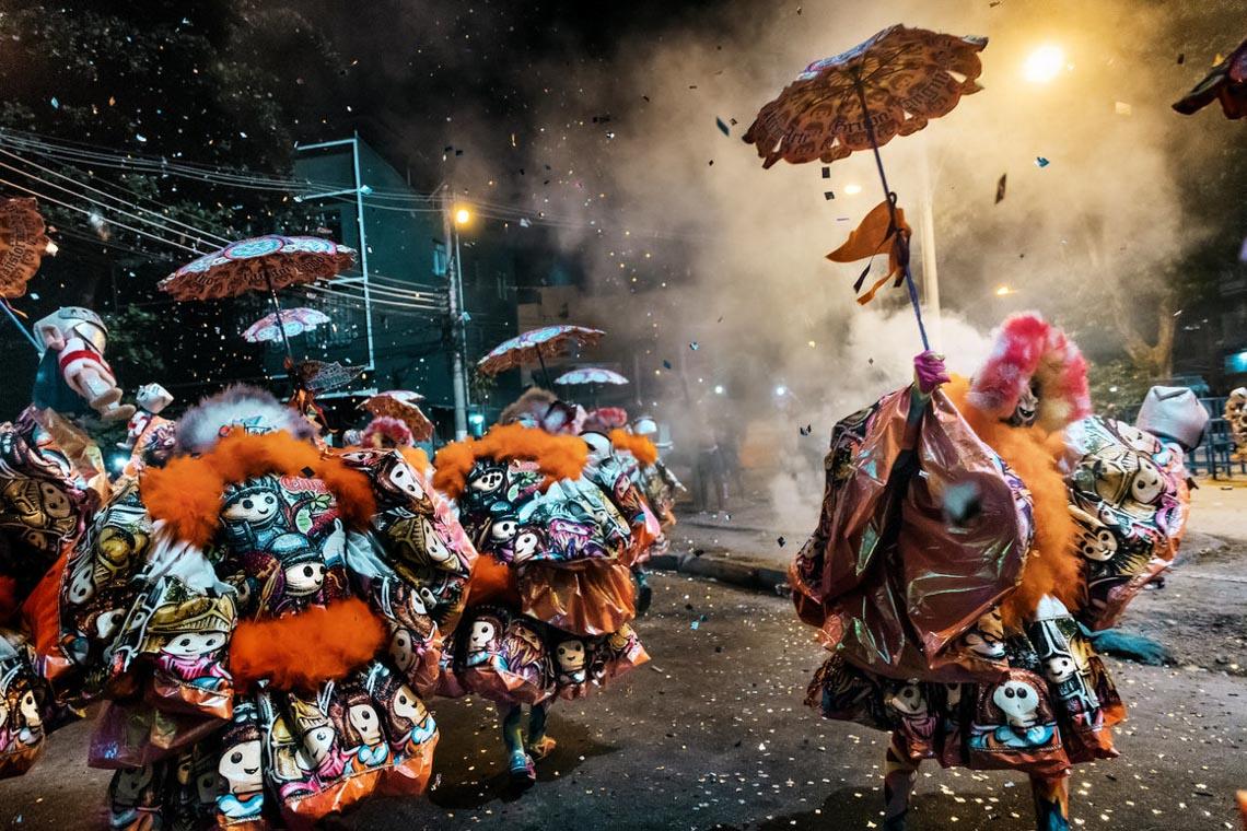 Bate-bola: Lễ hội hóa trang chú hề tràn đầy năng lượng nhất trái đất -1