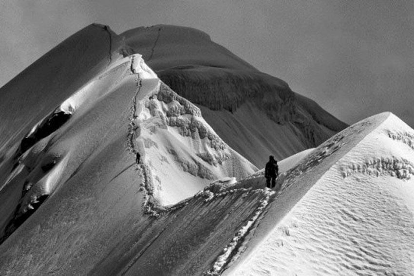 Hành trình hiểm nguy lên đỉnh Everest -2