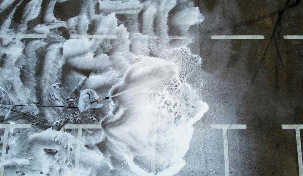 Những hình ảnh ám ảnh nhất tuần qua giữa đại dịch - 05