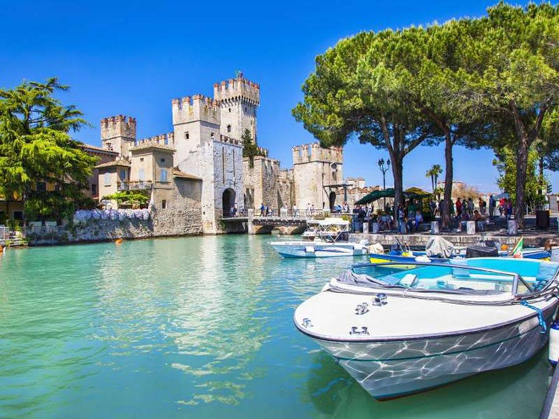 Khu giàu có bậc nhất Italy bị cách ly vì dịch Covid-19 -8