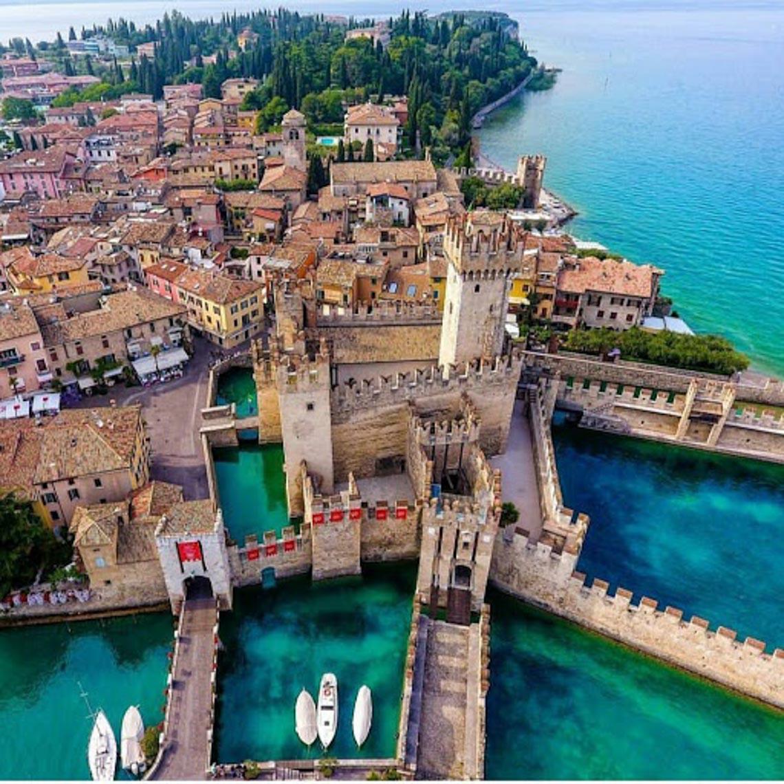 Khu giàu có bậc nhất Italy bị cách ly vì dịch Covid-19 -9