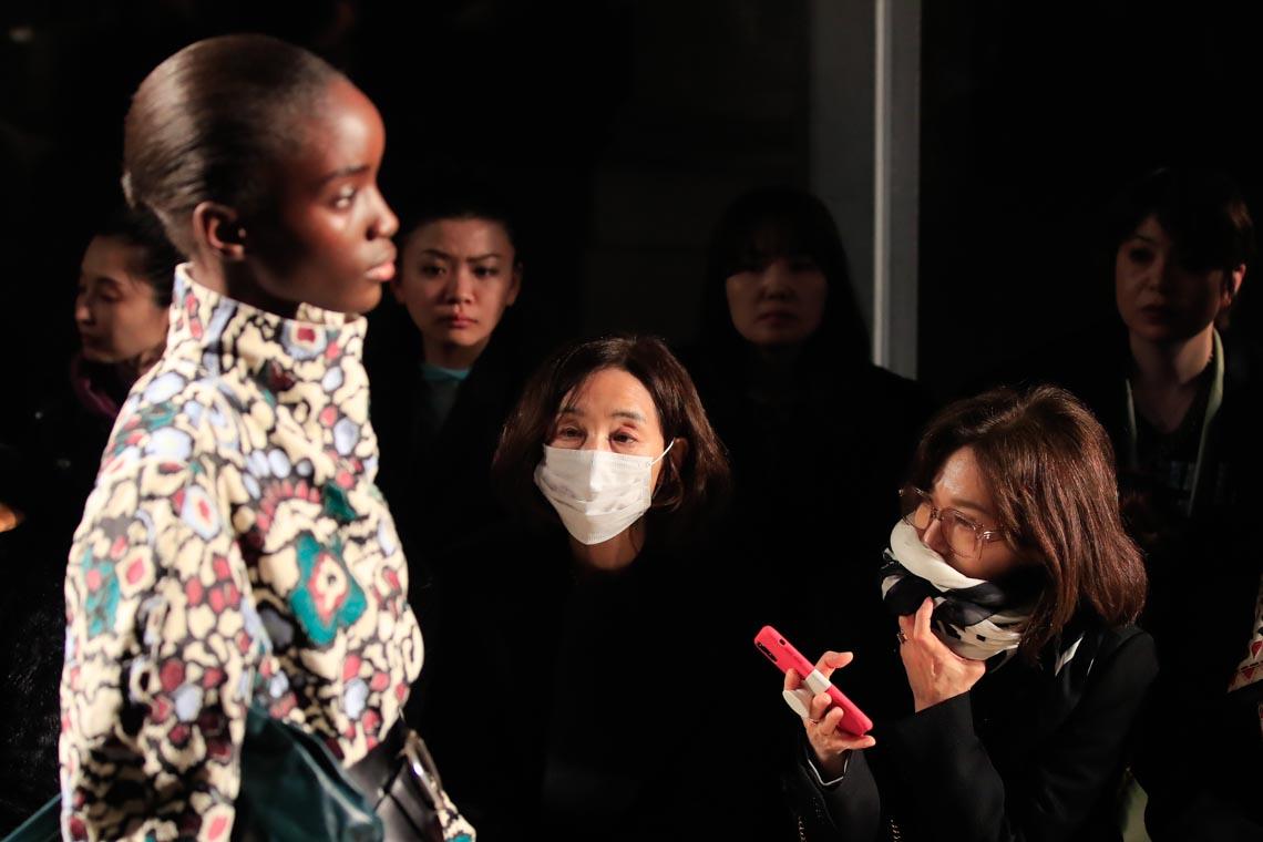 Tuần lễ thời trang Paris 2020 bị ảnh hưởng bởi virus corona -1