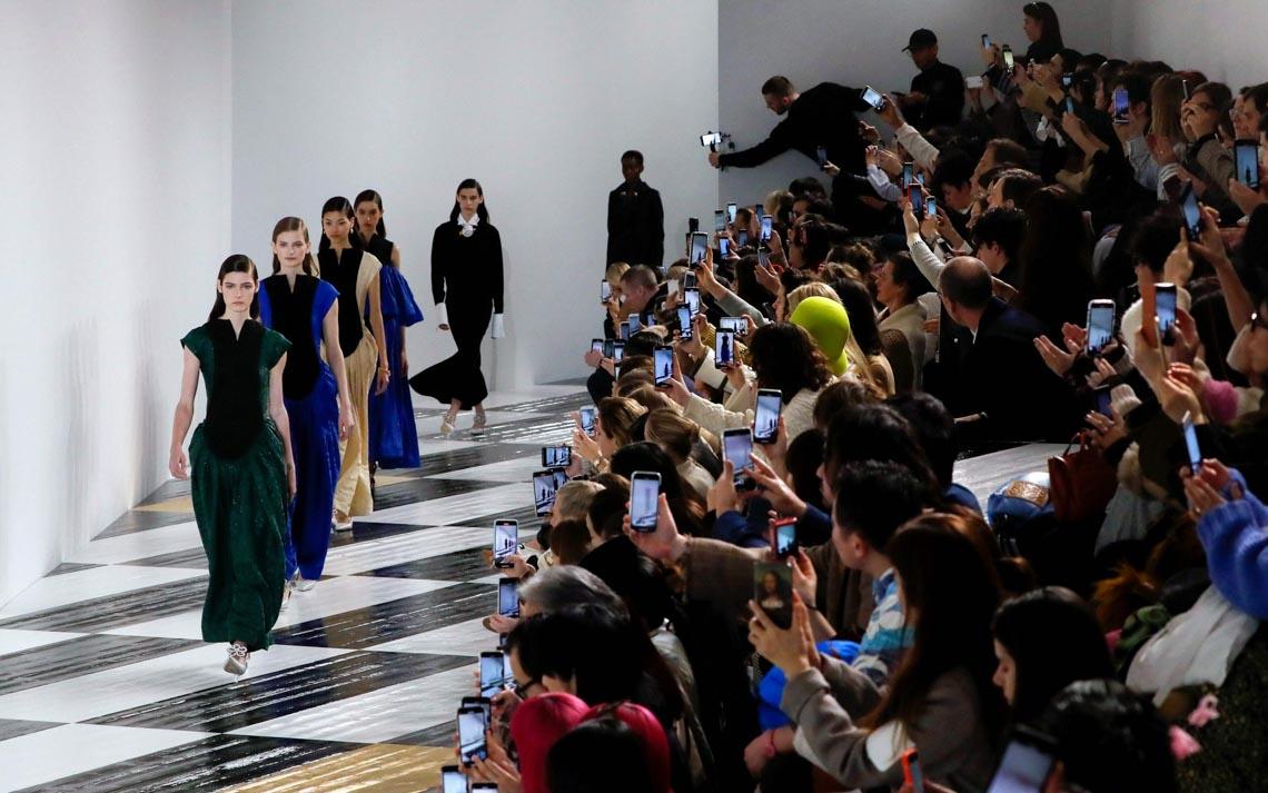 Tuần lễ thời trang Paris 2020 bị ảnh hưởng bởi virus corona -20