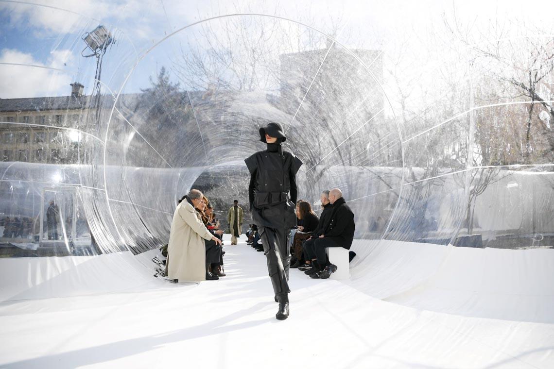 Tuần lễ thời trang Paris 2020 bị ảnh hưởng bởi virus corona -34