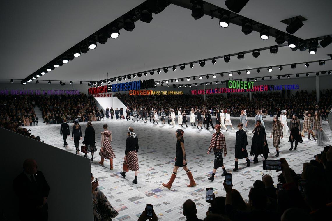 Tuần lễ thời trang Paris 2020 bị ảnh hưởng bởi virus corona -8