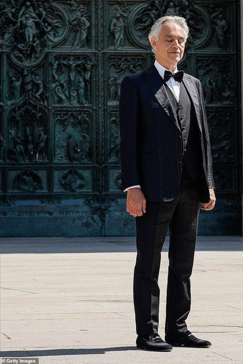 Andrea Bocelli khiến 3,4 triệu người rơi nước mắt khi xem buổi hòa nhạc Music For Hope trực tiếp từ Duomo di Milano - 5