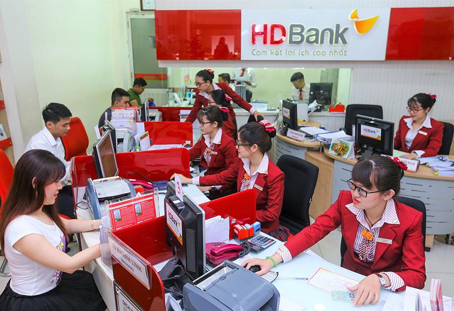 Hỗ trợ khách hàng vượt Covid-19, HDBank giảm sâu lãi suất cho vay - 1