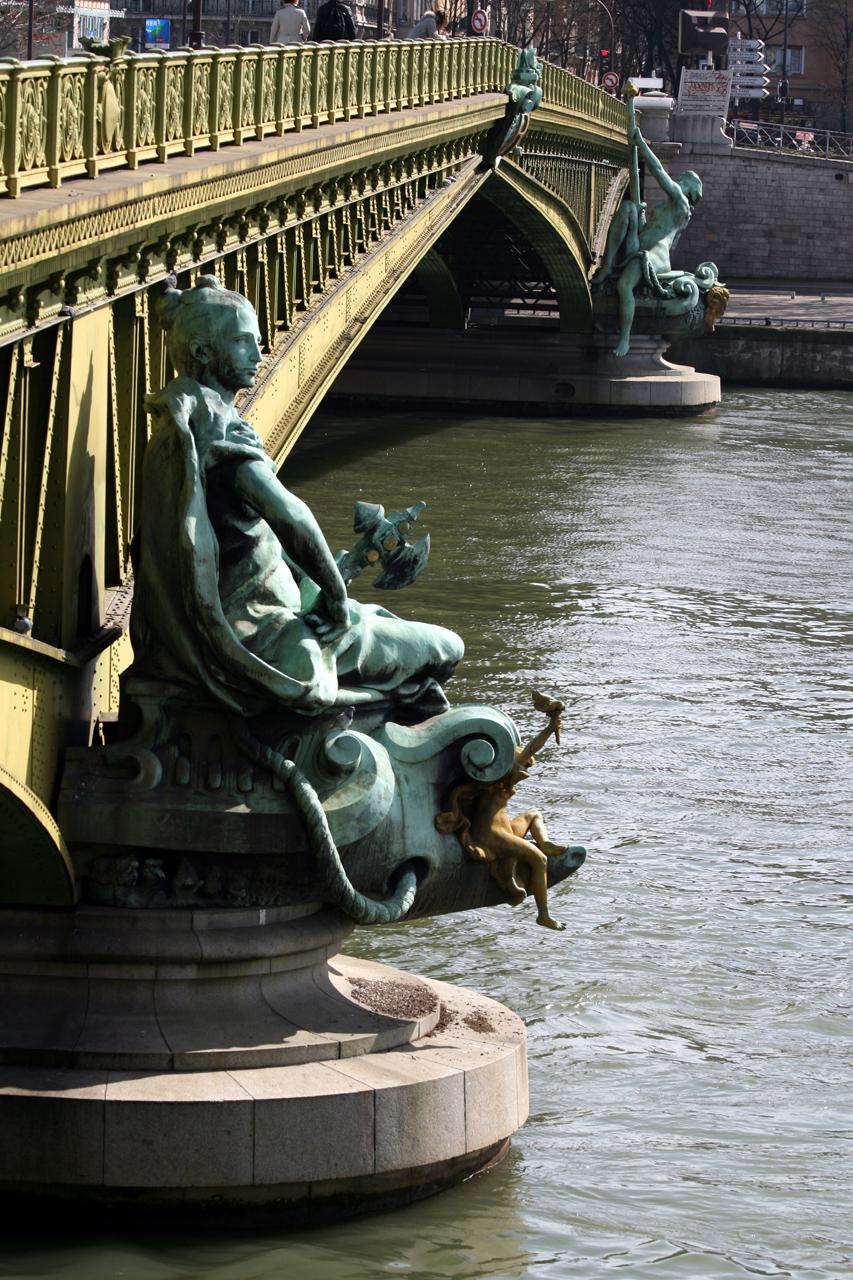 Tượng La Ville de Paris