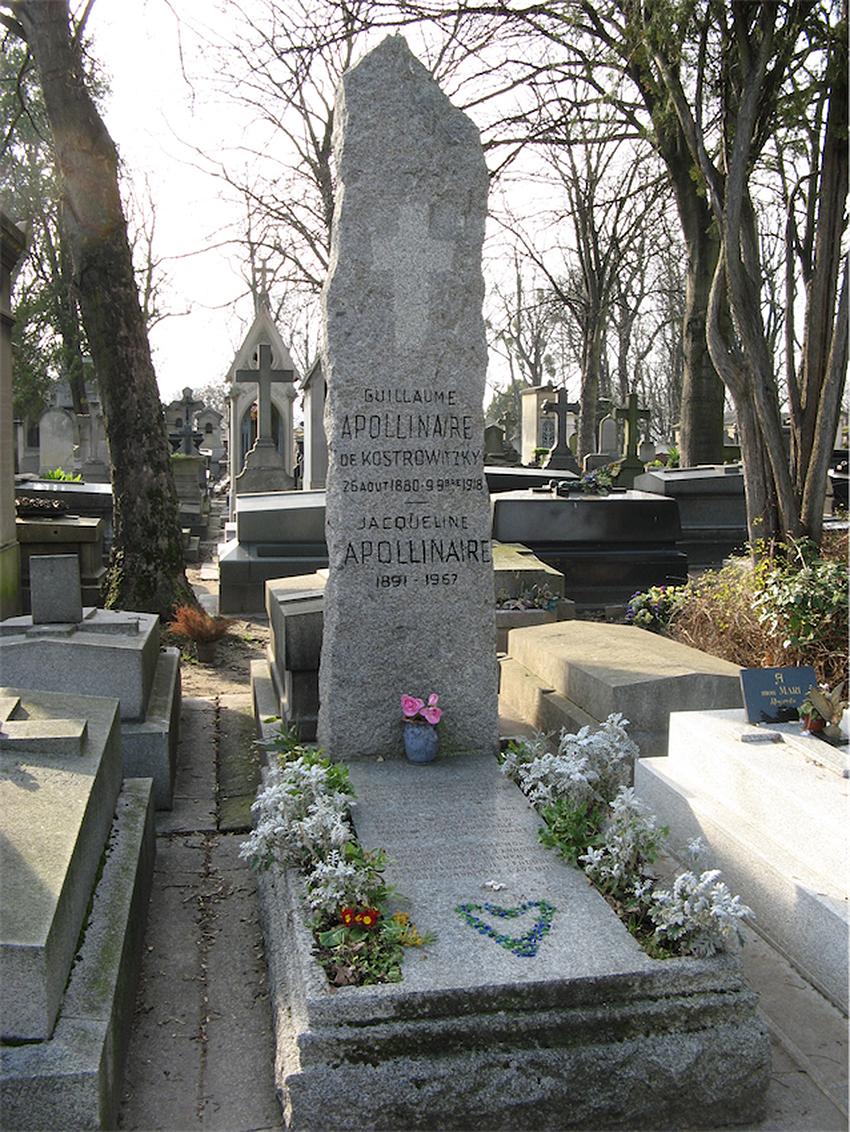 ngôi mộ của Apollinaire ở nghĩa trang Père-Lachaise (Pháp)