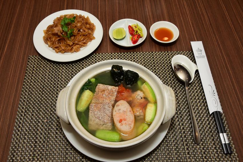 Khách sạn Rex Sài Gòn với các chương trình khuyến mãi ẩm thực tháng 5 - 1
