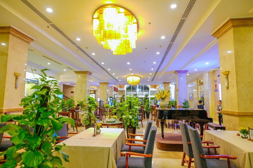 Khách sạn Rex Sài Gòn với các chương trình khuyến mãi ẩm thực tháng 5 - 8