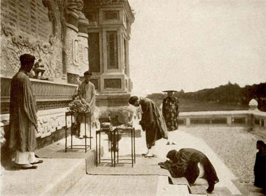Hoài Nam nghĩa sĩ miếu ở thủ đô Paris -5