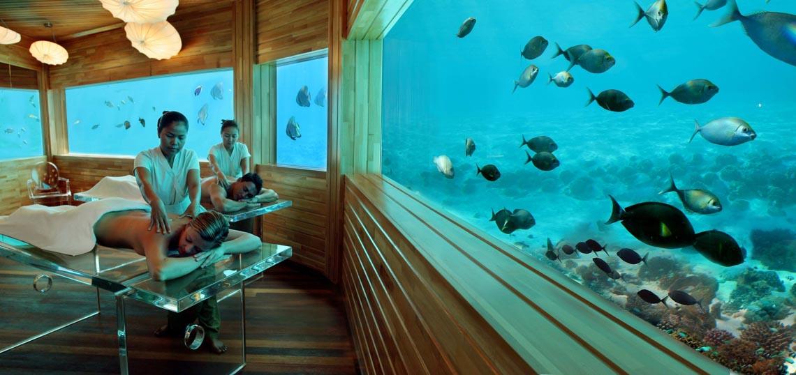Ngồi trong phòng ngắm cảnh dưới biển -5